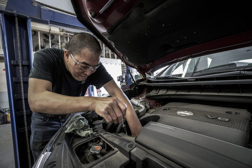 How to Hire a Technician For Effective Diesel Engine Maintenance